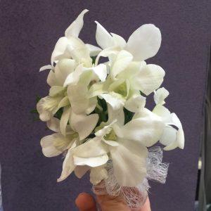 1朵兰花胸花