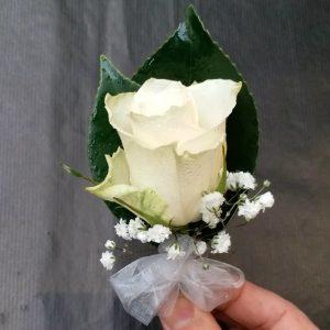 1朵白色玫瑰胸花