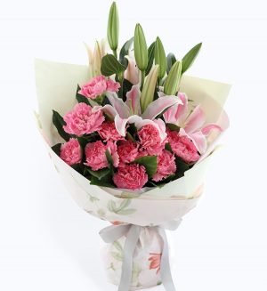 11枝粉红色康乃馨配粉红色百合/恩情无限