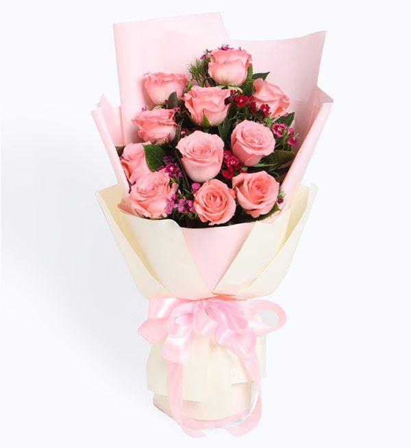 11枝粉红色玫瑰配深粉红色配花及叶子/假日公主