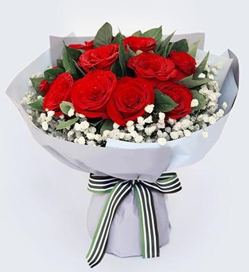 11枝红玫瑰配满天星/致美丽的你