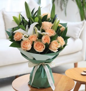 11 Stems Champagne Rose with White Oriental Lily