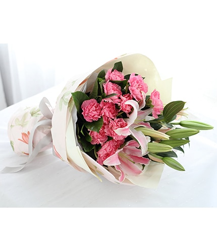11 Stems Pink Carnation with Pink Oriental Lily