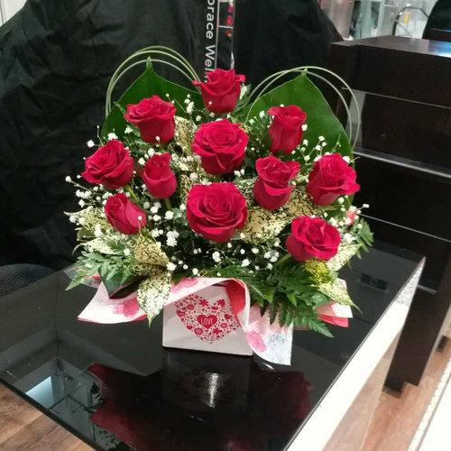11 Stems Red Rose