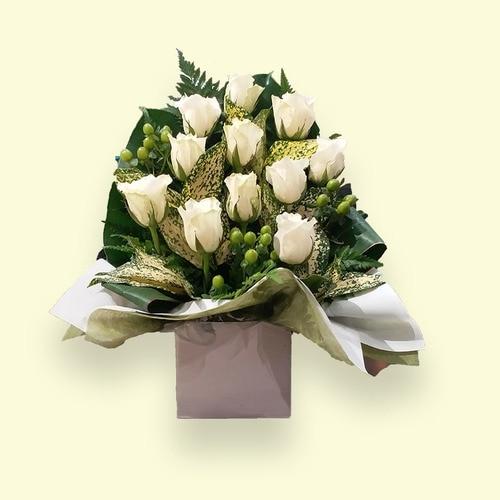 11 Stems White Rose