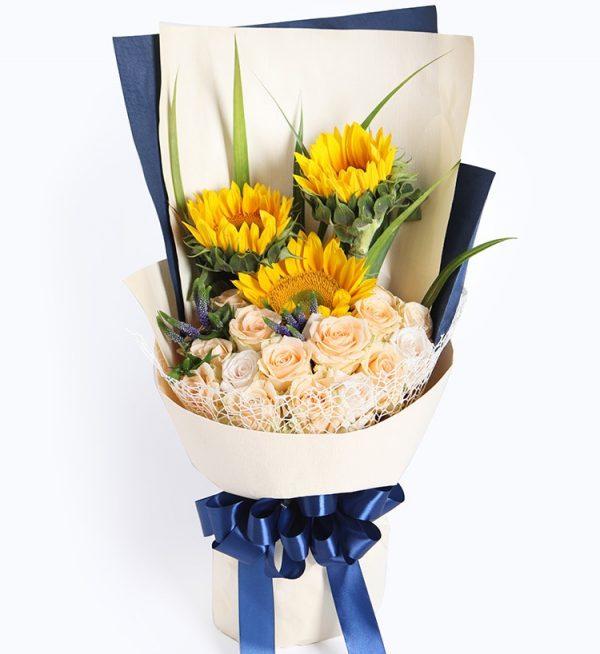 15枝香槟玫瑰3枝向日葵配叶子/阳光满溢
