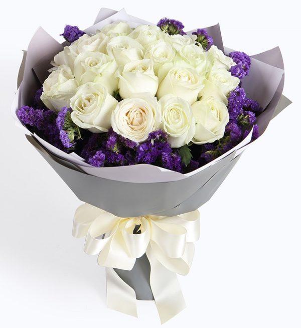 19枝白色玫瑰配深紫色勿忘我/如初