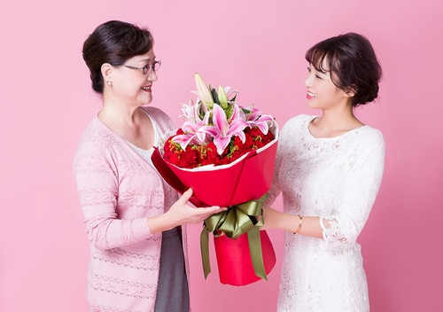 29 Stems Carnation & 2 Pink Oriental Lily