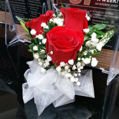3 Red Rose Corsage