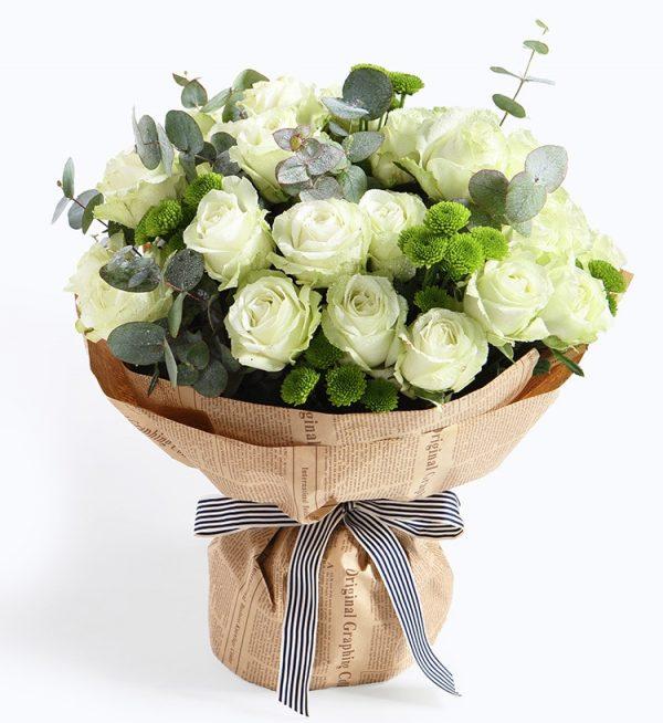 33枝白色玫瑰10枝绿色小雏菊配叶子等/梦的光点
