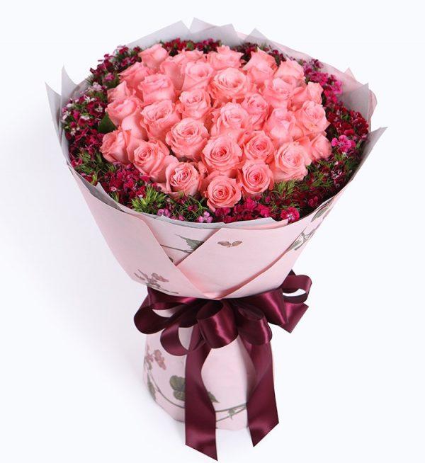 33枝粉色玫瑰配粉色石竹等/眷念