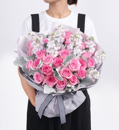 33 Stems Pink Rose & 5 Light Pueple Stock with White Chrysanthemun & Leaves