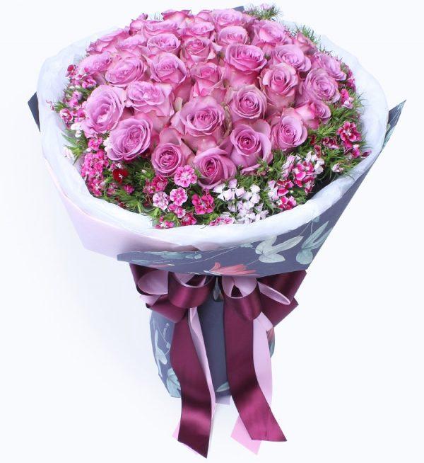 36枝紫色玫瑰配粉色石竹梅/紫霞仙子