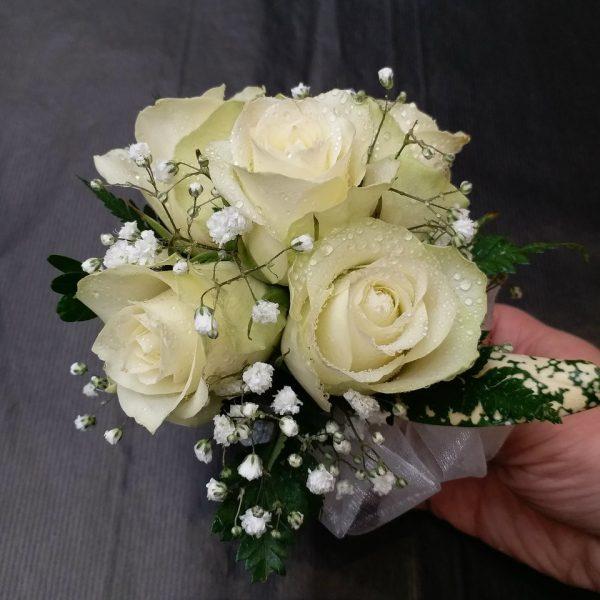5朵白色玫瑰手腕花