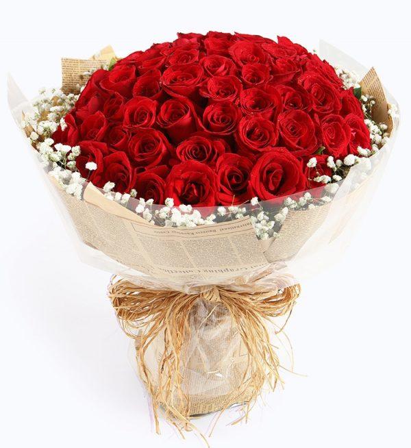 66枝红玫瑰配满天星/心上人