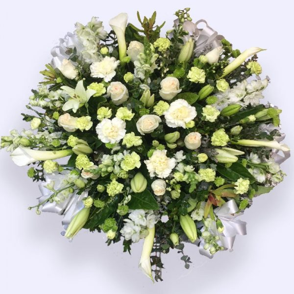 80cm (Large) Green & White Flower Heart