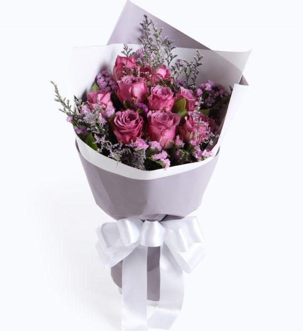 9枝紫色玫瑰配浅紫色勿忘我及情人草/一生挚爱
