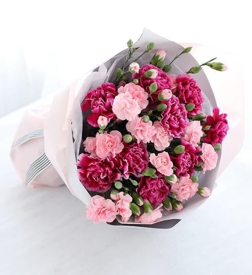 9 Stems Purple Carnation And 10 Stems Pink Spray Carnation
